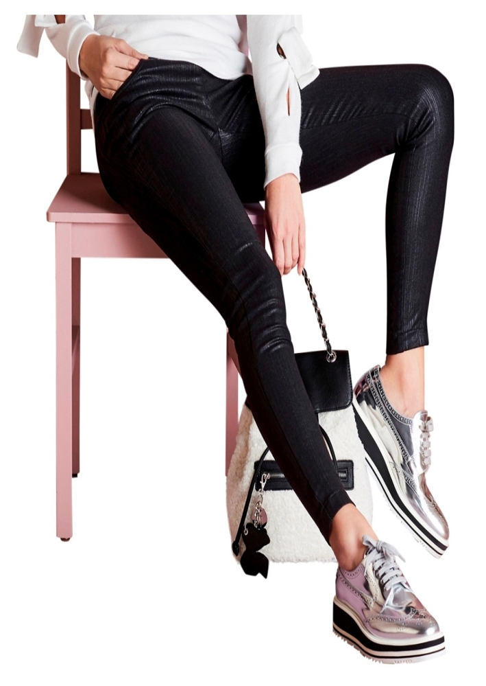 Lisette L. Slim Ankle Narrow Pant Style 38855 Black Knight Jacquard Color Black
